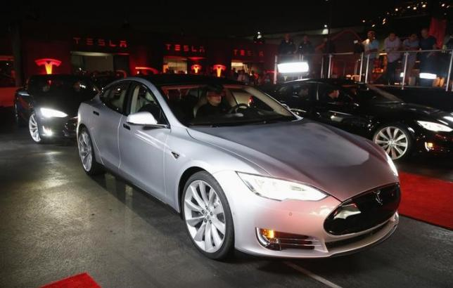 Tesla burns cash, loses more than $4,000 on every car sold