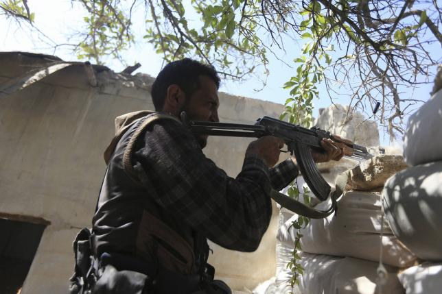 U.S. to defend Syrian rebels with airpower, including from Assad