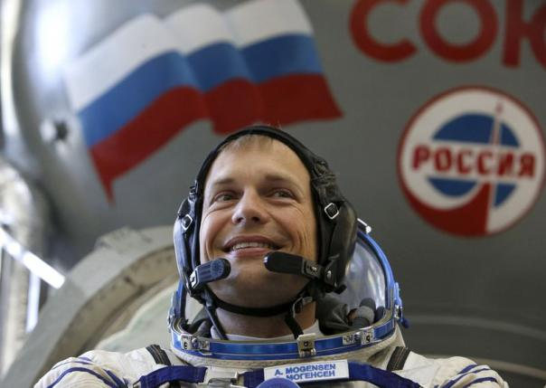 Cosmonauts complete spacewalk outside space station