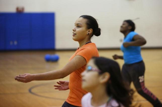 Exercise during teens reaps long-term benefits for women, study shows