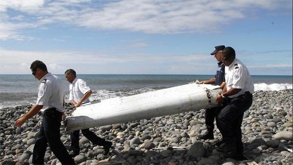 Aeroplane debris arrives in France for Malaysia crash investigation
