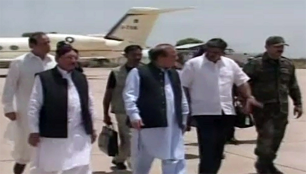 PM Nawaz Sharif arrives in Karachi, to chair meeting on law and order situation