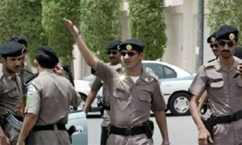 Suicide bombing in Saudi mosque kills 17 security officials; PM Nawaz Sharif condemns attack