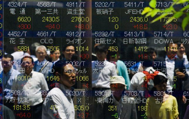 Asia shares drop, dollar firm; US data signals Sept hike