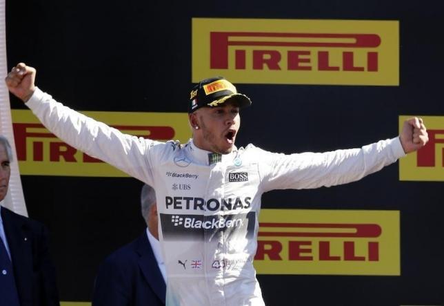 Hamilton dominant as Rosberg fails to finish