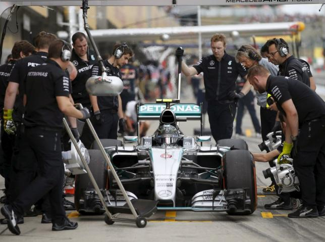 Mercedes back on top in Japanese GP practice