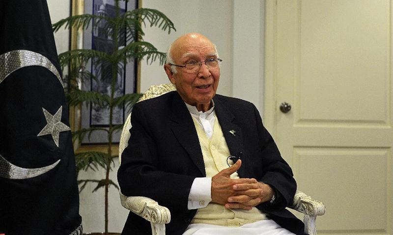 COAS Gen Raheel Sharif to visit Afghanistan this month: Sartaj Aziz
