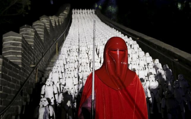 Fans fete 'Star Wars' on China's Great Wall