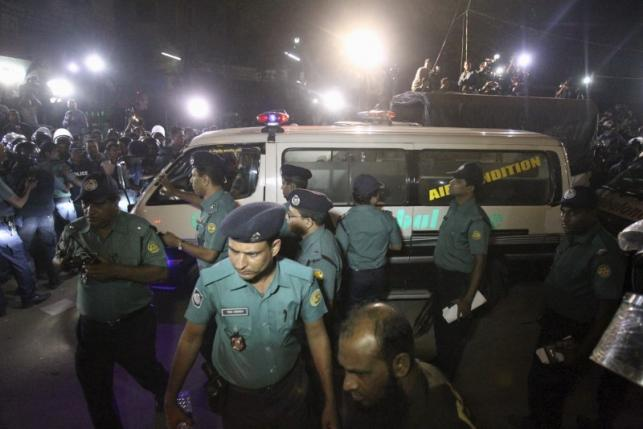 Bangladesh executes two opposition leaders for 1971 war crimes