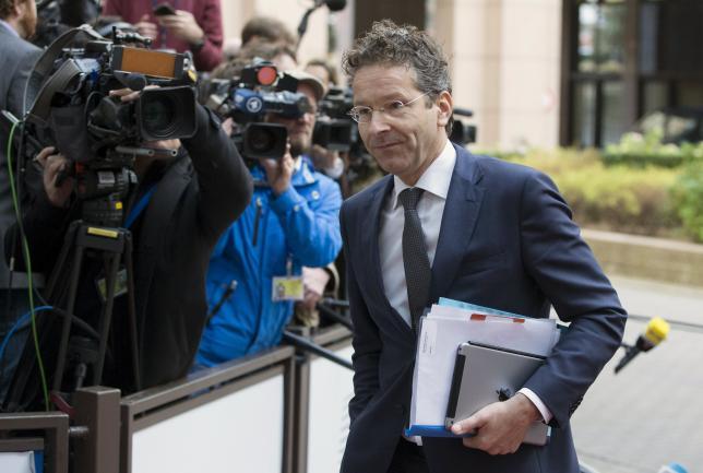 Dijsselbloem - Refugee crisis could trigger 'mini-Schengen'