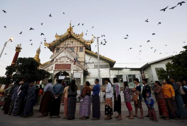 Voting smooth in Myanmar's first free election for 25 years