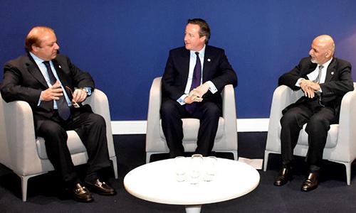 Prime Minister Nawaz Sharif meets with Afghan President Ashraf Ghani