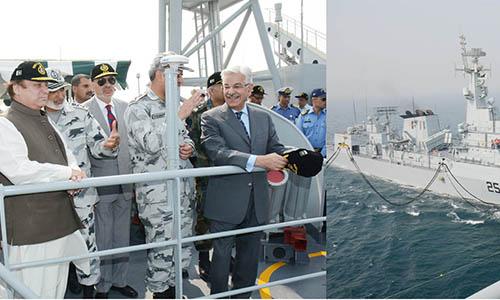 Prime Minister Nawaz Sharif witnesses Pakistan Navy's exercise SEASPARK 2015