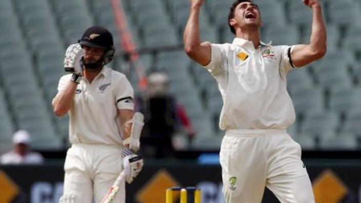 New Zealand crumble to 173-7, Starc injured