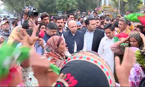 PTI workers stage sit-in in front of Governor House after party worker succumbs to injuries