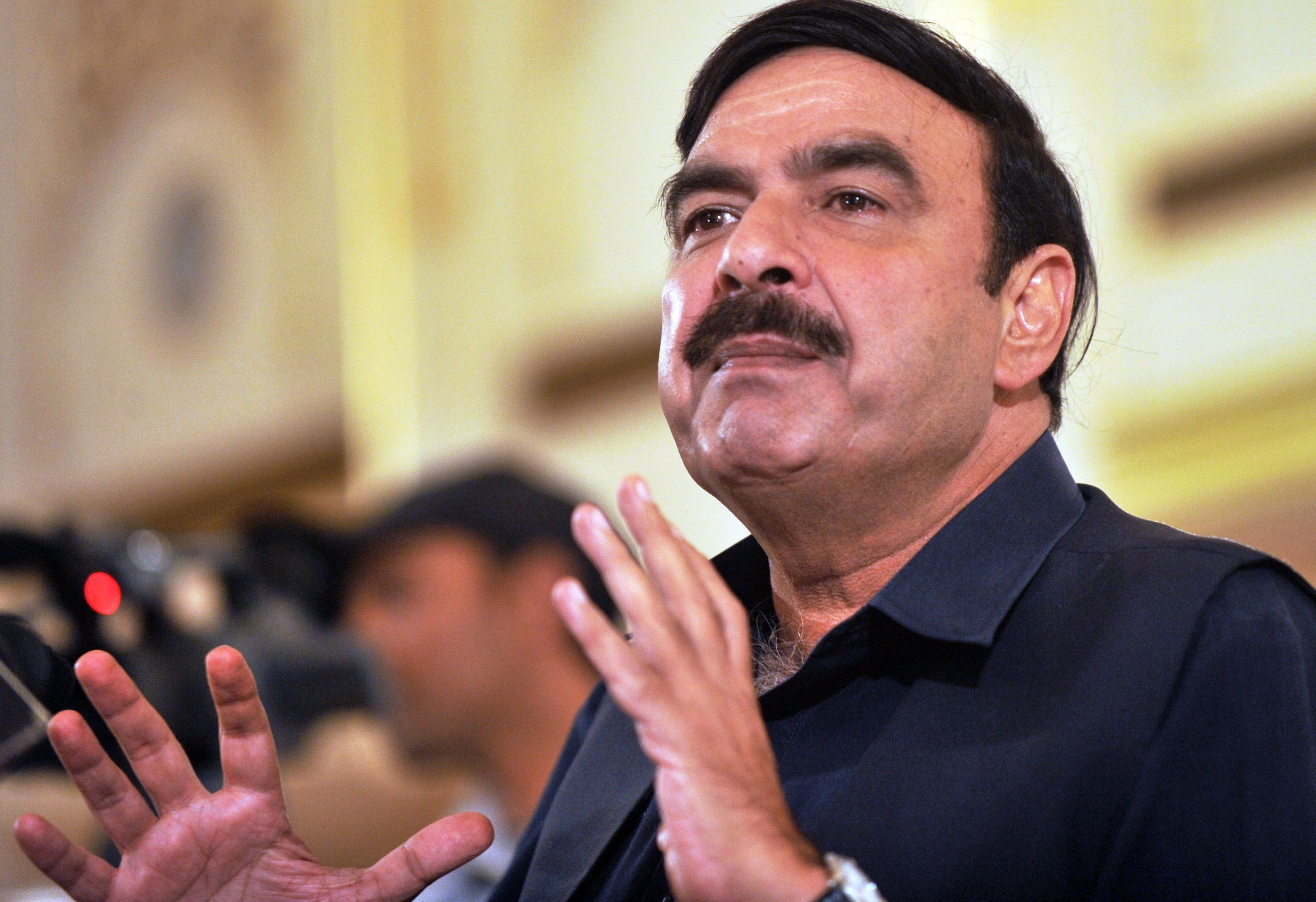 Situation has slipped out of PM's hands: Sheikh Rashid