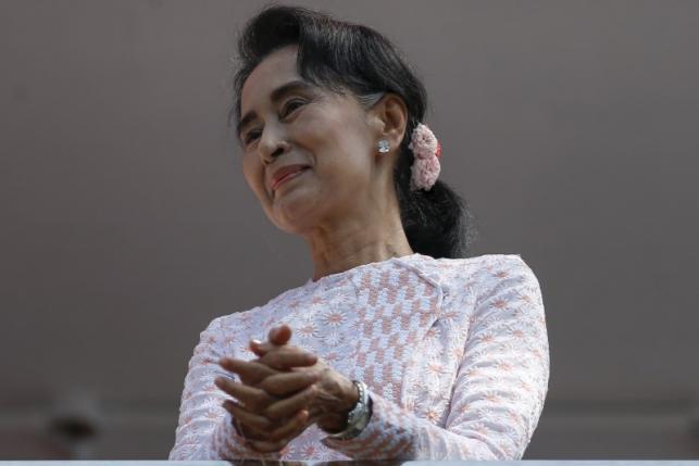 Myanmar's Suu Kyi set for sweeping power as election wins mount