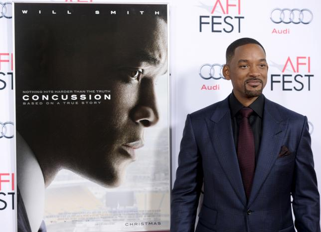 Football dad Will Smith says conflicted about 'Concussion' role