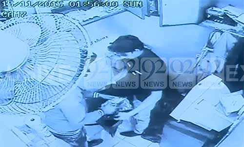Dacoits rob millions from a fastfood restaurant in Lahore