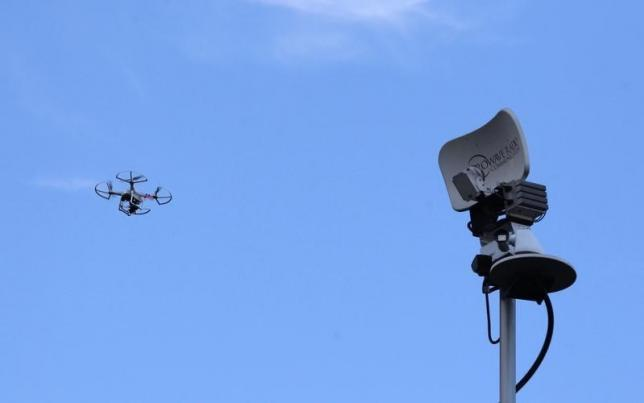 US pushes for spectrum for 5G, civil drones, flight tracking