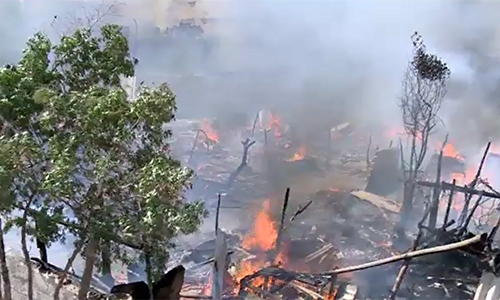 Over 100 huts reduced to ashes in Karachi's Junejo Town area