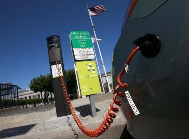 US delays 'quiet car' rules for hybrids, electric cars