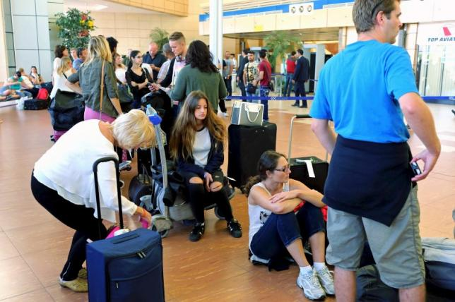 Russia suspends flights to Egypt on security advice