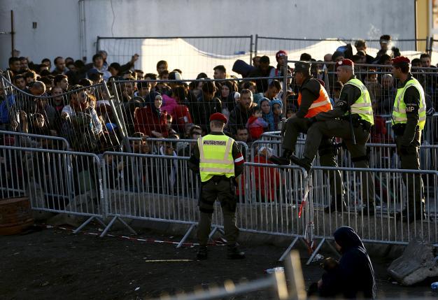 Balkan states start filtering migrant flow to Europe