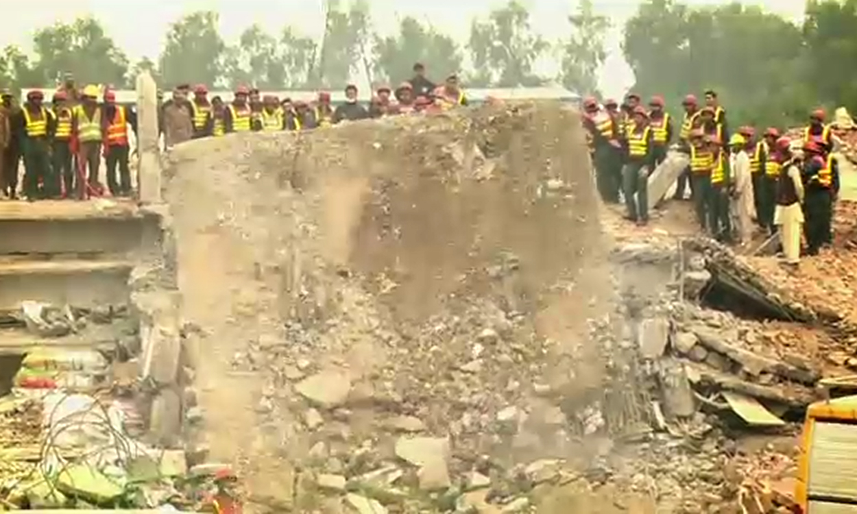 Death toll in Sundar Industrial Estate tragedy jumps to 39