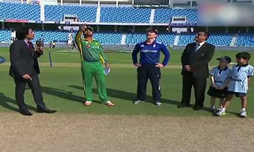 England win toss, decide to bat against Pakistan in last ODI