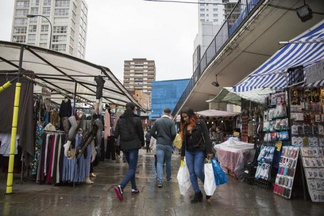 British shop prices fall faster in November: BRC