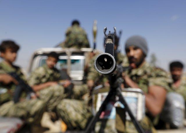 Kuwait to send troops to Saudi Arabia to fight Yemen rebels