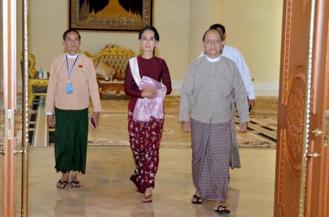 In step towards power, Myanmar's Suu Kyi meets president, top general