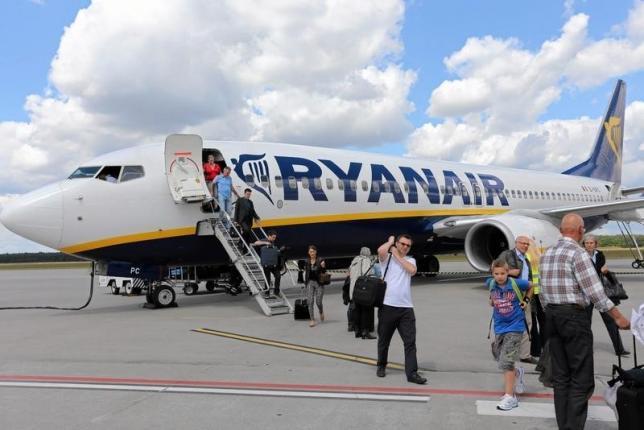 Ryanair to sue Google in Irish court over 'misleading adverts'
