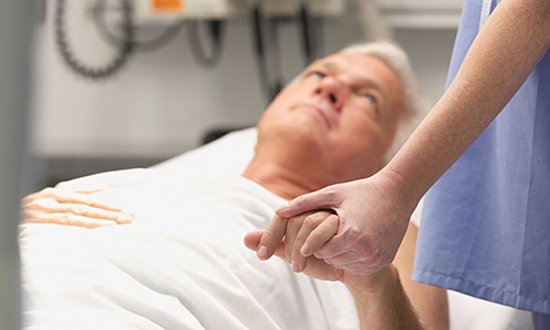 Doctors get less aggressive care before death