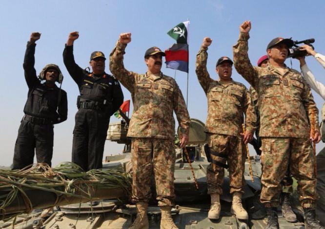 COAS Gen Raheel Sharif visits Multan Corps