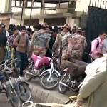 Three teachers wounded during clash in Karachi University
