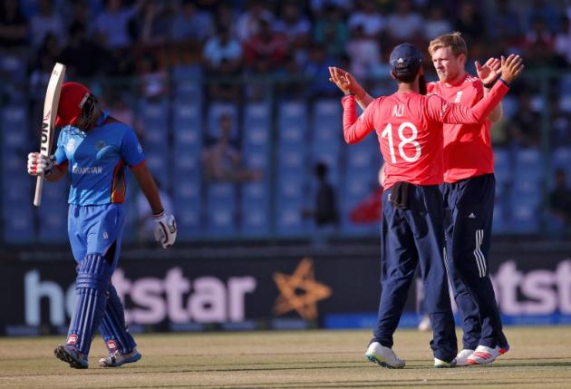 England survive collapse to sink Afghanistan