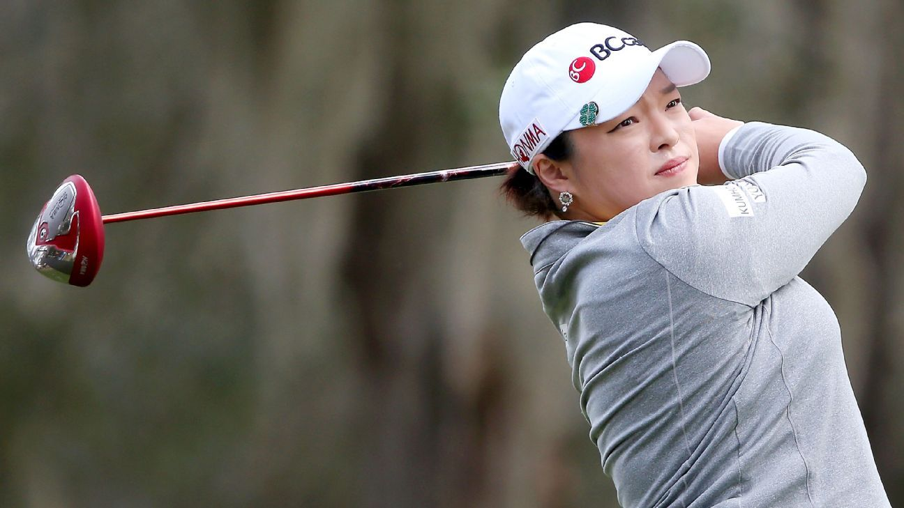Jang edges ahead in Singapore after another bogey-free day