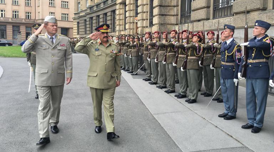 COAS General Raheel Sharif reaches Czech Republic on one-day visit