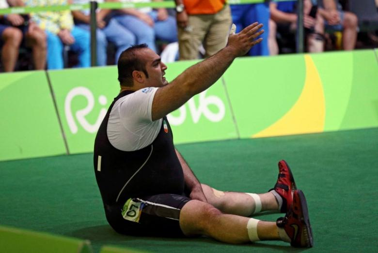Weightlifting under fire from angry Iranians - 1.6 million times
