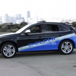 Delphi, Singapore launch test of self-driving taxis