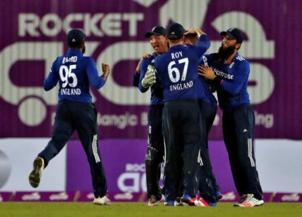 Debutant Ball and Rashid bowl England to thrilling win