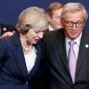 Britain's Prime Minister Theresa May talks to European Commission President Jean-Claude Juncker  during a European Union leaders summit in Brussels, Belgium, October 20, 2016. REUTERS/Francois Lenoir