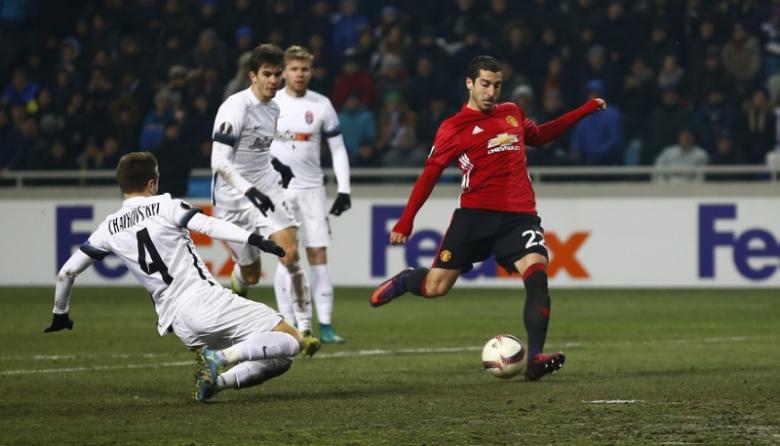 Mkhitaryan sparkles as United reach Europa last 32