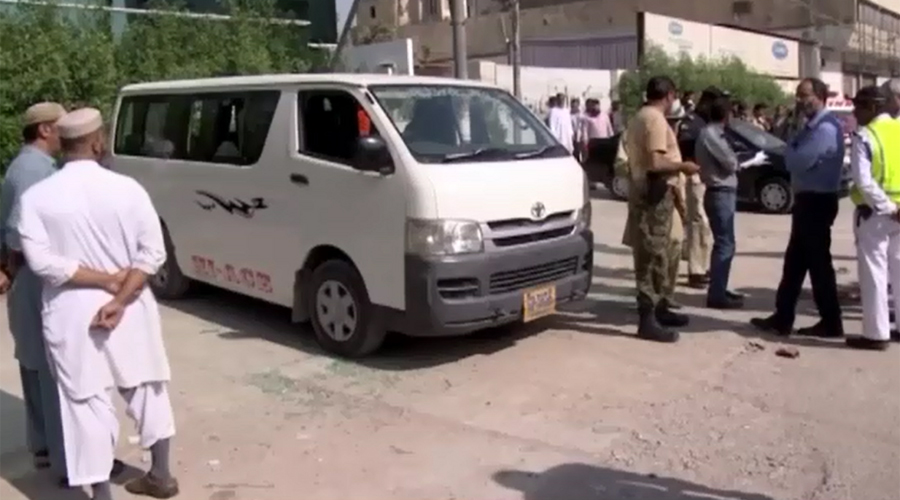 Dacoit killed in botched robbery in Karachi