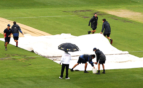 Boxing Day Test: Pakistan reach 142-4 before play abandoned