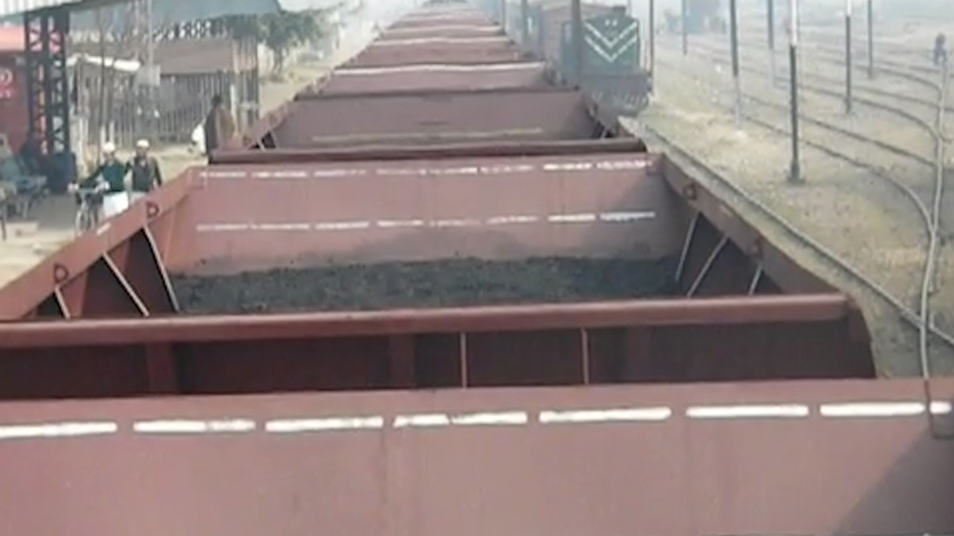 One bogie of train carrying coal found empty