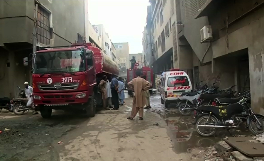 Building collapses as Karachi plastic factory goes up in flames