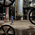 Oil falls as evidence points to rising global supply